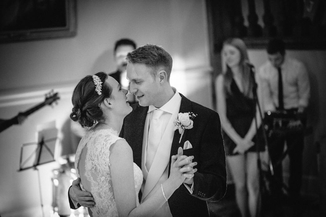 Farnham-castle-wedding-photography-36