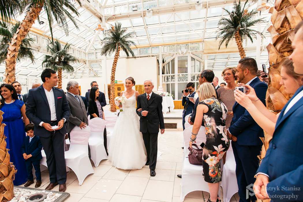 Millenium-gloucester-hotel-wedding-photography-12